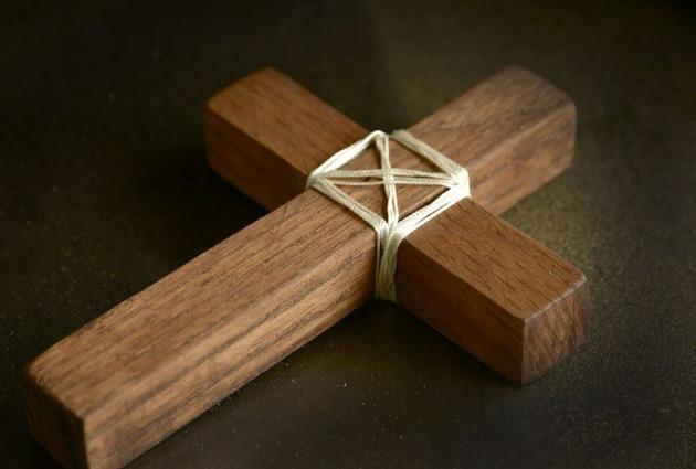cross-670244_1280 (1)
